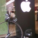 The most hipster moment in Bristol history: Penny farthing bike parked outside the Apple Store. http://t.co/KG1dLuo5Hv