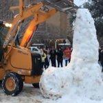 Universidade destrói escultura de neve de pênis feita por estudantes http://t.co/FU0zLkI4VJ #G1 http://t.co/jAKqvBAZjD