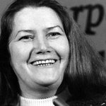 Sexist obituary about late author Colleen McCullough sparks amazing trend #MyOzObituary http://t.co/BjlGSBICbV http://t.co/lBZ7xABddp