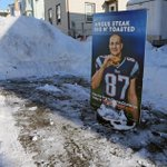 RT @pictureboston: Would YOU park here?! Thats right, a Gronk #Boston parking space saver in Eastie. http://t.co/mOpKkp6Kl0
