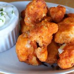 Craving wings not meat? Try these crisp buffalo cauliflower bites during the #SuperBowl http://t.co/nAvHGrvIUO http://t.co/4TJ8jBv9gf