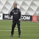 De persconferentie van Frank de Boer zit erop. Straks meer op #Ajax TV en http://t.co/P1asCgXkuV.