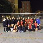 Con nuestras compañeras de deporte y afición!! @ClaretCDSevilla Esperamos volver a veros pronto! http://t.co/pGjN4qz4lo