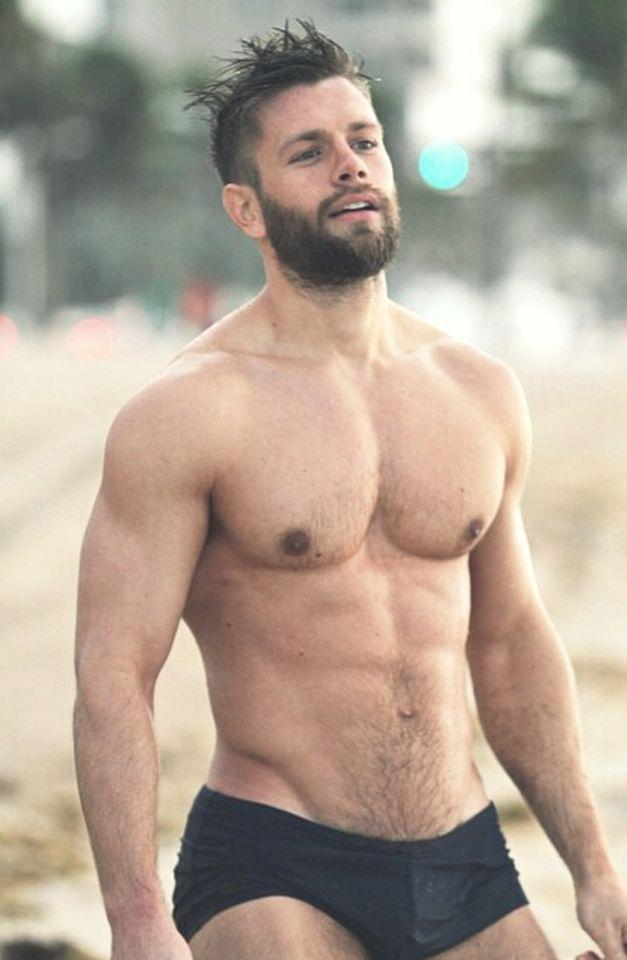 Note to self: Book a ticket to Miami. #grindrWinter http://t.co/LxJWezLxlX
