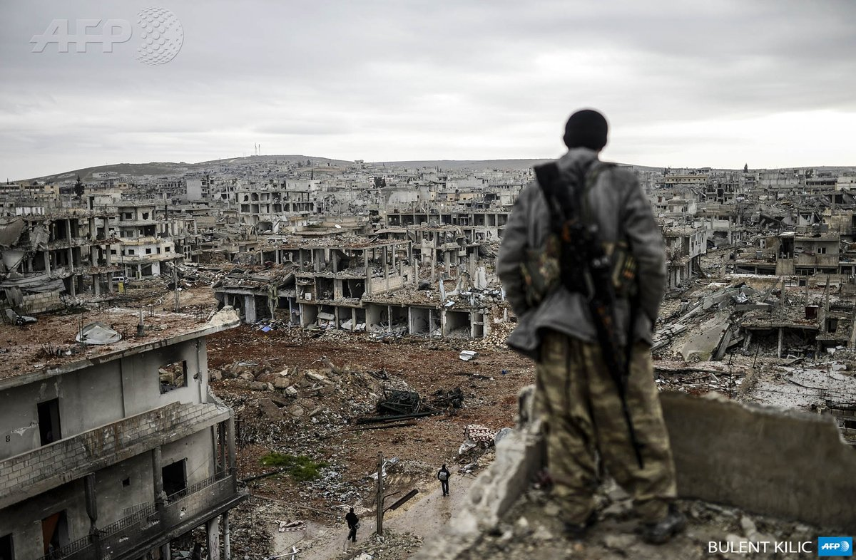 """can't recall a photo this shocking from Iraq in some time. destroyed Syrian town of #Kobane. By @Kilicbil http://t.co/aokizsTwBu"""""""