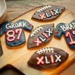 Stop into Commonwealth's market this week for homemade frosted sugar cookies in Patriots logos http://t.co/3K7Ta1bRt4 http://t.co/W1GEPtR2zj