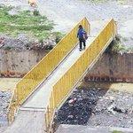 #ElAlto En la zona Mcal. Sucre, al borde del río Sek'e, dicen que cada mes hallan dos cuerpos->http://t.co/JzzRJV1CDB http://t.co/MtMKEcgdVL