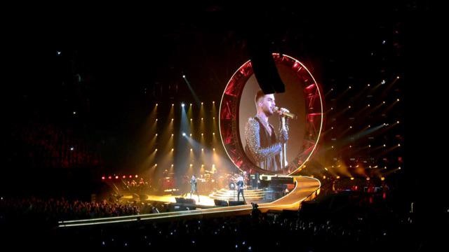 Maurice Wijnen (@mauricewijnen): Oh yes, #AdamLambert is absolutely fantastic with #Queen @ZiggoDome http://t.co/FfPLGPxGrA