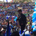 Presidente Evo se dirige a multitudinaria concentración proclamando a los candidatos Orureños: Rossio y Victor Hugo. http://t.co/7EpTRvzidw