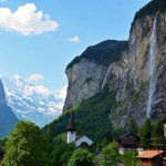 RT @forgetsomeday: A cute town in the Swiss Alps - http://t.co/V5687bcQZP #Lauterbrunnen #Switzerland http://t.co/iVdjKfERQZ @JungfrauRegion