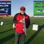Help @BruceArians pick which team will win Super Bowl XLIX! RT for @Patriots FAV for @Seahawks #MySuperBowlPick http://t.co/TcraS7D8Gq