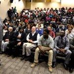 Rev. Jesse Jackson speaks with Alabama State University students. @MGMAdvertiser @RevJJackson #BamaState http://t.co/9NUo5hdkkq