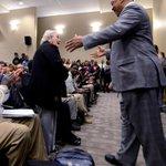 Jesse Jackson hugs Jeannie Graetz as he speaks at Alabama State University. @MGMAdvertiser @RevJJackson #BamaState http://t.co/Fbj1UkgGl9
