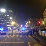 La place de la Bourse bouclée par la police ! #Bruxelles http://t.co/bzQTeLE2me
