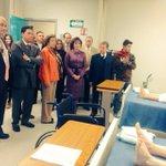 Recorre Srio. de Salud @PedroHF1 instalaciones de la nueva Escuela de Enfermería del Hosp. CIMA @karlajuradob http://t.co/1xebMwW3Uw