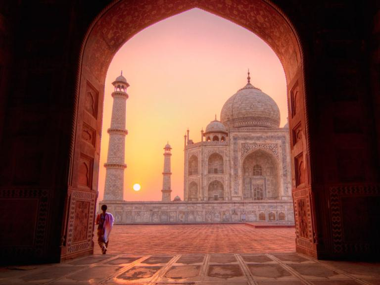 """""""Countries to Visit Now While the Dollar Is Strong""""   @YahooTravel"""