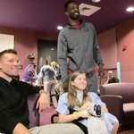 .@BenoUdrih1 & @unclejeffgreen catch Space Jam with kids at @LeBonheurChild #GrizzCares #TuneSquad http://t.co/HBvRoXGKYo
