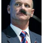 This has got to be the cheekiest photo of the campaign. (the courier-mail) #qldvotes http://t.co/WqBTdPZSiq
