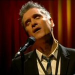 What. A. Voice. @curtisstigers wonders why #latelate http://t.co/jgVttt0kaf