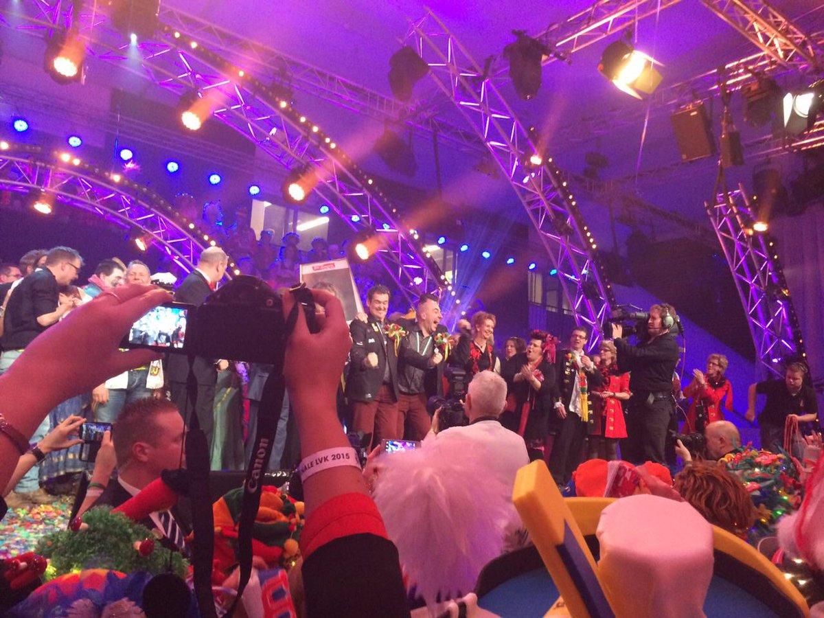 Gefeliciteerd Spik en Span met het winnen van het #LVK2015 : http://t.co/eReUVkCP0S  /@NiekDirkx #VL15 http://t.co/OqzQOl3Knd