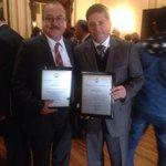 Consejo Médico de Certificación de Enfermería galardona a Srio. de Salud @PedroHF1 y al Dr.Samuel Santana @NotiSaS http://t.co/1k13bv7I9M