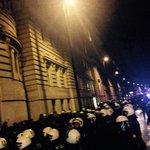0024 Situation vorm PAZ: Polizei kesselt angemeldete Kundgebung. #nowkr #ogr http://t.co/Q2PzJLXe0R