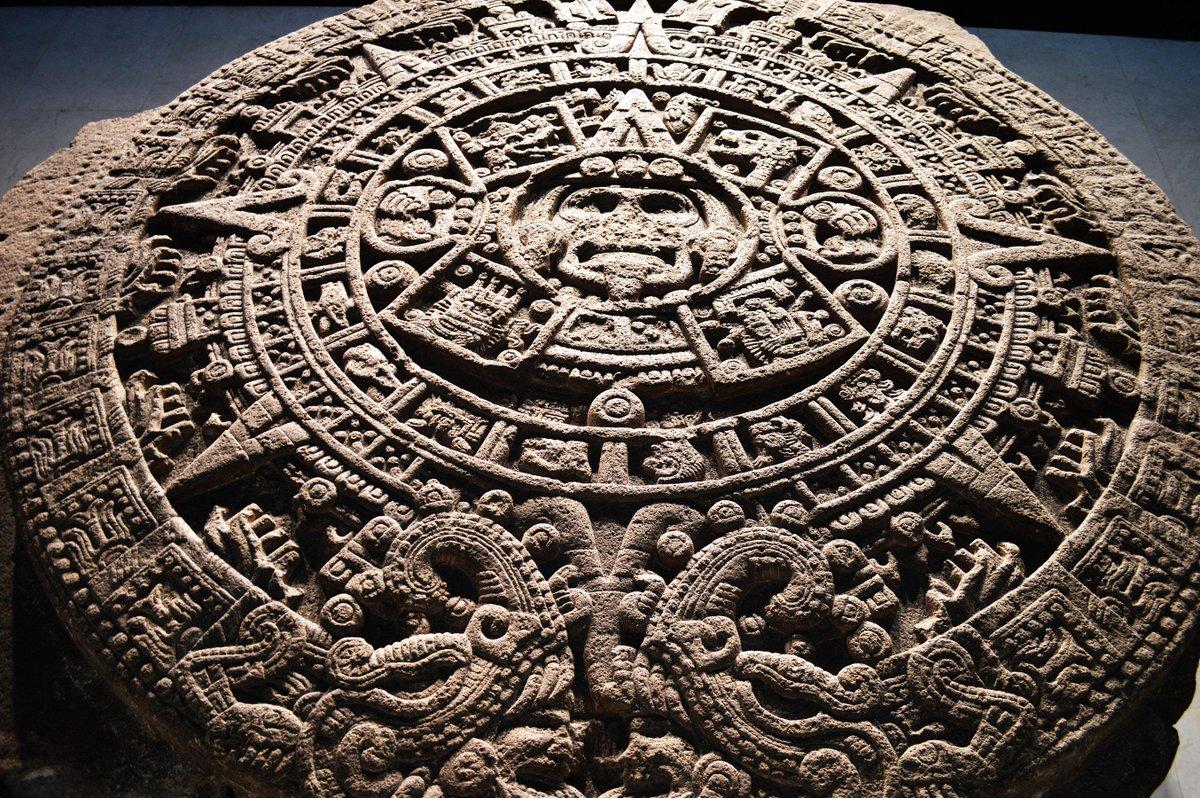 """Hace 100 años salieron a la luz sus primeros indicios arqueológicos #Expo """"100 años del Templo Mayor""""@MusTemploMayor http://t.co/jw5zwEVIq8"""