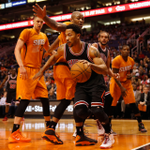 '@chicagobulls struggle at the charity stripe in Q1 (0/7) trail @Suns 26-23 heading into the 2nd quarter on ESPN.