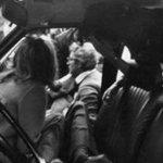 Gennaio 1980 Sergio Mattarella prende in braccio il fratello ucciso dalla mafia. 35 anni dopo è il nostro Presidente http://t.co/x9nigXpzIy