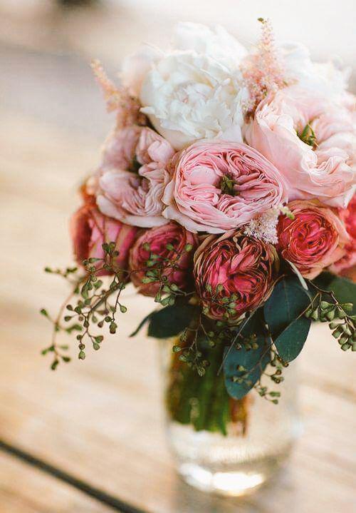 꽃이 되세요 작은 배려에도  고마워하는 감사의 꽃, 길을 묻는 이에겐 차근차근 일러주는  친절한 꽃으로 없는 말은 짓지 말고 있는 말은 가려 하고 같은 말도 곱게 하면 나도 모르게 꽃이 돼요.   #이채 http://t.co/kwLhNmh9W6