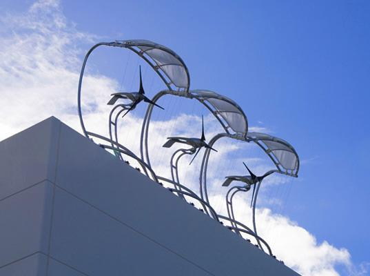 Wilt u nog meer #energie opwekken op uw dak? Tip: #windmolens op dakranden @JacquesMonasch @petervandepol @HenkJense http://t.co/r8YR5v5t7C