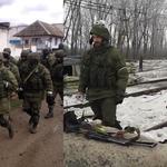 Маскарад закончен. Российская армия в Крыму - 2014 Российская армия на Донбассе - 2015 http://t.co/vEH5ND8H7C