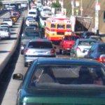 #TraficoSV pesado por vehículo quedado por paso a desnivel molsa, para entrar Arturo Castellanos. Vía @kikintitio2015 http://t.co/axVHbDZIIb