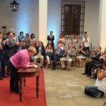 """@prensaPS: Presidenta Bachelet firma proyecto de ley de Despenalización de la Interrupción Voluntaria del Embarazo. http://t.co/UBVDardqmT"""