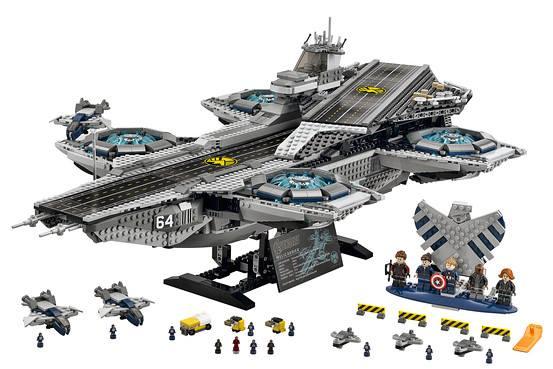 Внушительная модель авианосца «Щ.И.Т.» из киновселенной Marvel от Lego. Почти 3 тысячи деталей! http://t.co/KBu9h4xvbX