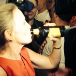 QUEENSLANDER! Kate Jones downs XXXX beer like a boss after beating Newman #qldvotes http://t.co/zQvXkJrG2Q http://t.co/gErfWWDGtk