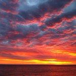 Stunning sunset! #perth @Perth_Today @tweetperth #sunset http://t.co/CKHJSZgZH2