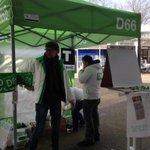 #tent66 is er klaar voor. @D66Tilburg vraagt de bewoners hoe het wonen in @West_Tilburg bevalt. http://t.co/vY7PlRdg8Q