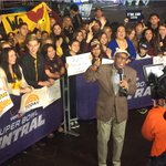 RT @MeganKToday: What rain? @alroker and #ASU students up early in AZ for @TODAYshow! #SuperBowlXLIX