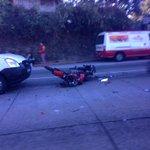 Triple accidente carretera panamericana en el desvío de Santa Elena. No se puede pasar. http://t.co/XscwPzKe7n vía: @Eileencortez #TráficoSV