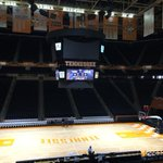 Bruce Pearl returns to Tennessee today at noon. ESPN2. Should be an insane environment. http://t.co/l0W0jyCsIq