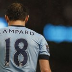Frank Lampard comes on for Manchester City at Stamford Bridge. Gets a good reception from the Chelsea fans. http://t.co/o5XUwsxR9x