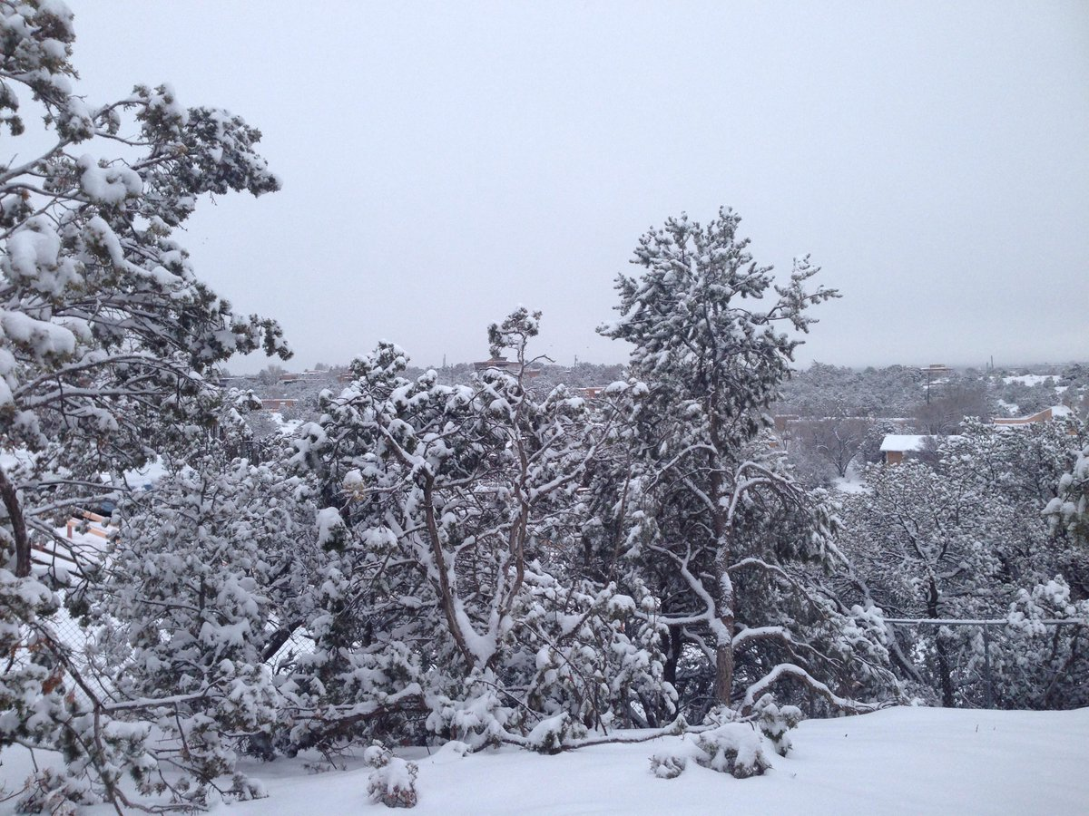 About 5-1/2 inches or so in #SantaFe above Rosario Cemetery and St. Kate's #nmwx http://t.co/sRzECLYfiC