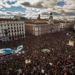 Huge crowds in Madrid as Spanish leftist party Podemos calls March for Change http://t.co/IzCcJv7cAi http://t.co/1YC19FnSAw