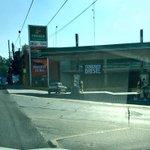 En #Puebla, vaya forma de lavar dinero de políticos. En cada esquina una nueva gasolinería con comercios #LaPaz http://t.co/y866msmYSy