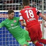 Historisch! Nils #Petersen erzielt den ersten lupenreinen Hattrick eines Freiburgers in der Bundesliga-Geschichte. http://t.co/EwVvy8YrTM