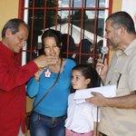 #SucreEnMarcha @ramolinap y @lacunasucre entregaron viviendas a familias de Aricagua #Cumanacoa enel Mcpio Montes 1/2 http://t.co/Hbs4W75feO