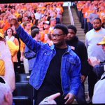 Drew Richmond acknowledges the crowd as he leaves TBA. Future #VFL? http://t.co/FTJuR0ASfx