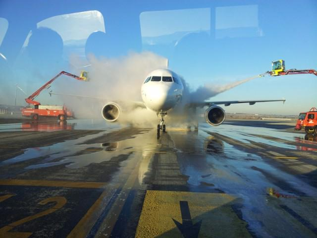 Aircraft de-icing, an in-depth look: