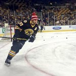 Boston Bruins players wore New England Patriots hats during warmups http://t.co/IfozZUoHF7 http://t.co/S2qef2t9pi